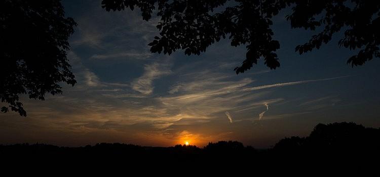 Sonnenuntergang auf dem Westerwald bei Hachenburg